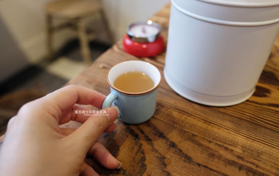 20190528231936 20 - home home-台中人氣早午餐店hoyo和AIYO推出新品牌,以家為主題般的舒適,鬆餅桌邊現煎服務,餐前招待熱雞湯