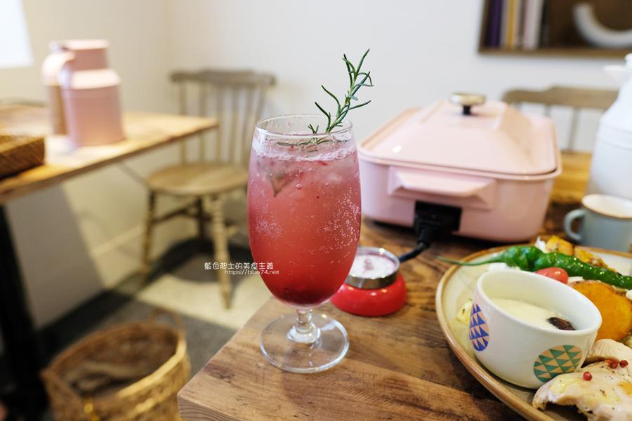 20190528231939 47 - home home-台中人氣早午餐店hoyo和AIYO推出新品牌,以家為主題般的舒適,鬆餅桌邊現煎服務,餐前招待熱雞湯