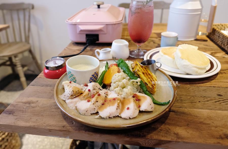 20190528231952 71 - home home-台中人氣早午餐店hoyo和AIYO推出新品牌,以家為主題般的舒適,鬆餅桌邊現煎服務,餐前招待熱雞湯