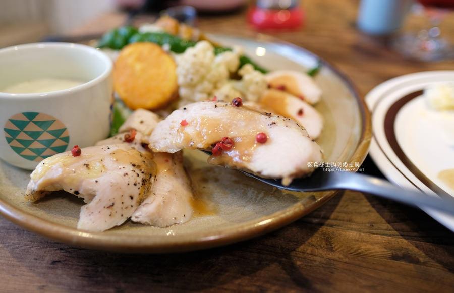 20190528231956 67 - home home-台中人氣早午餐店hoyo和AIYO推出新品牌,以家為主題般的舒適,鬆餅桌邊現煎服務,餐前招待熱雞湯