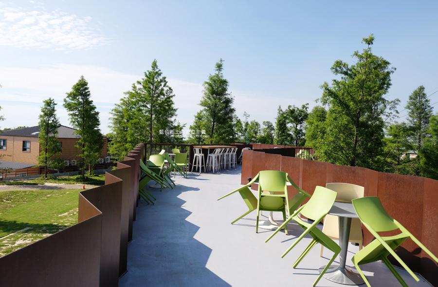 20190601010922 24 - 布魯諾咖啡│座落在藍色公路旁的落羽松景觀餐廳,二樓可欣賞夕陽與夜景