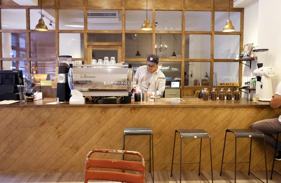 20190605234316 48 - Gatewell Coffee Roasters│重新裝潢新面貌,復古元件、百元以下咖啡價格,還不限時喔