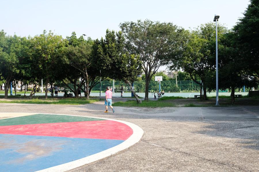 20190609025418 98 - 大肚運動公園-足球造型溜滑梯、籃球場、網球場、遊樂器材,還有一片綠油油草地,大肚萬興宮對面