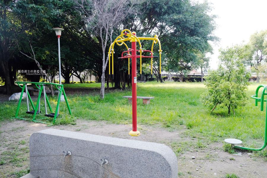 20190609025432 87 - 大肚運動公園-足球造型溜滑梯、籃球場、網球場、遊樂器材,還有一片綠油油草地,大肚萬興宮對面
