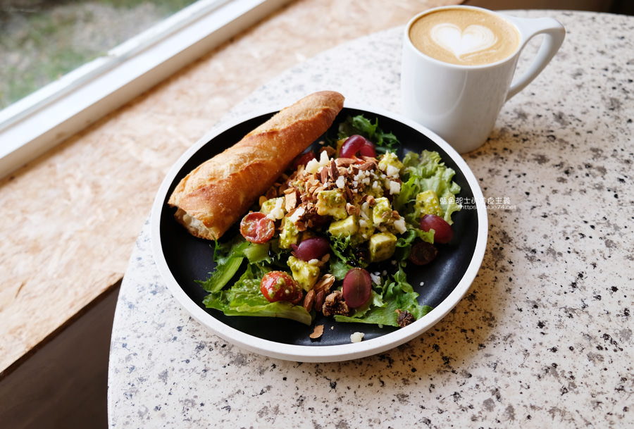 20190622120032 29 - Solidbean Coffee Roasters-精誠商圈巷弄白色系自家烘焙推薦咖啡館,台中推薦輕食、咖啡跟甜點口袋名單