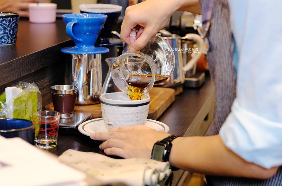20190627124620 88 - 白白咖啡-太平超隱密巷弄咖啡館,店貓陪你度過咖啡時光