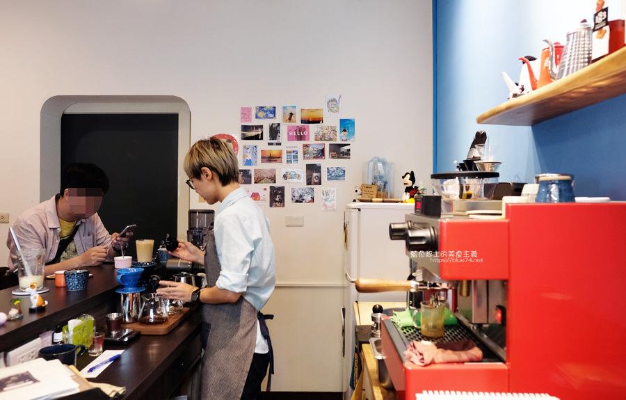 20190627124640 15 - 白白咖啡-太平超隱密巷弄咖啡館,店貓陪你度過咖啡時光