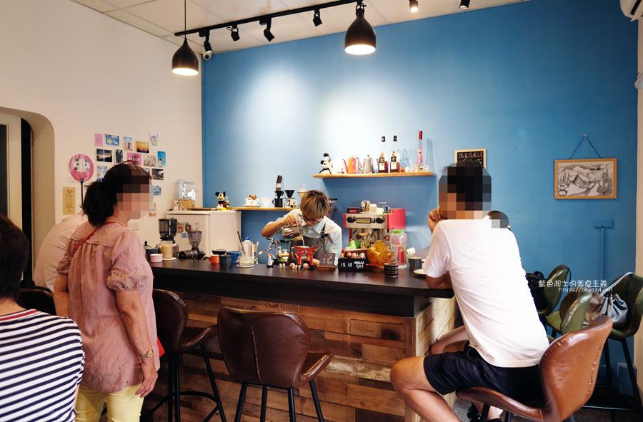 20190627124656 38 - 白白咖啡-太平超隱密巷弄咖啡館,店貓陪你度過咖啡時光