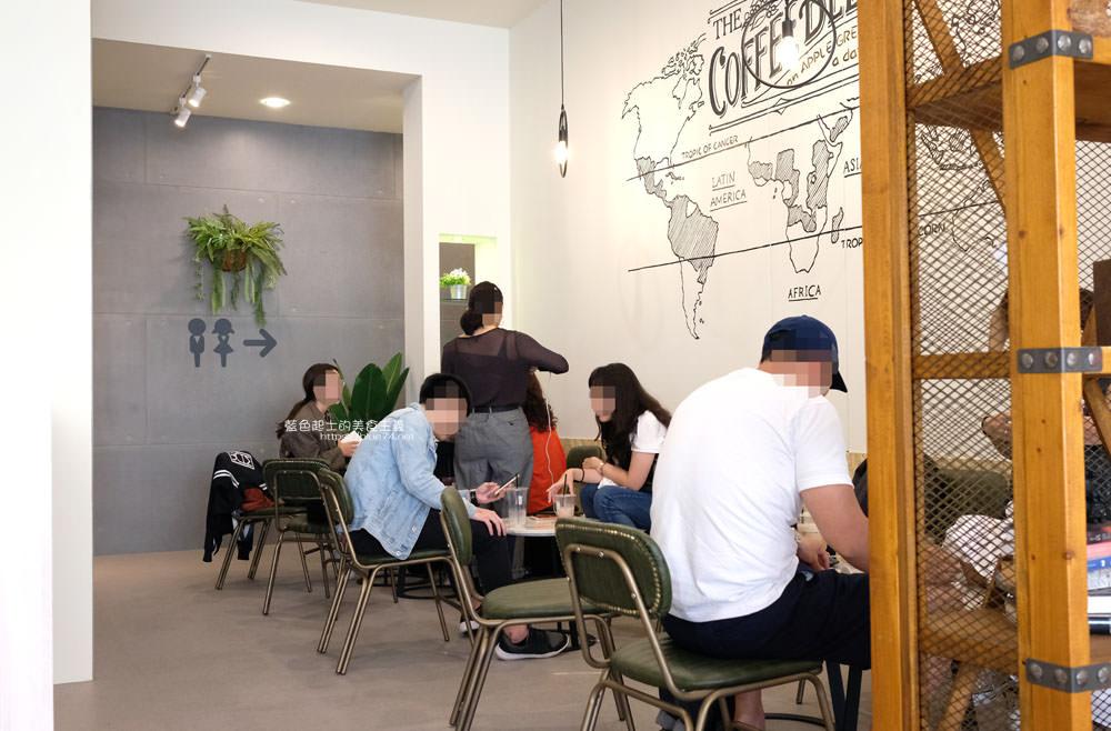 20190922012939 52 - 蘋果綠咖啡台中黎明門市-台中首間蘋果綠咖啡,白色系明亮空間,多那之新品牌
