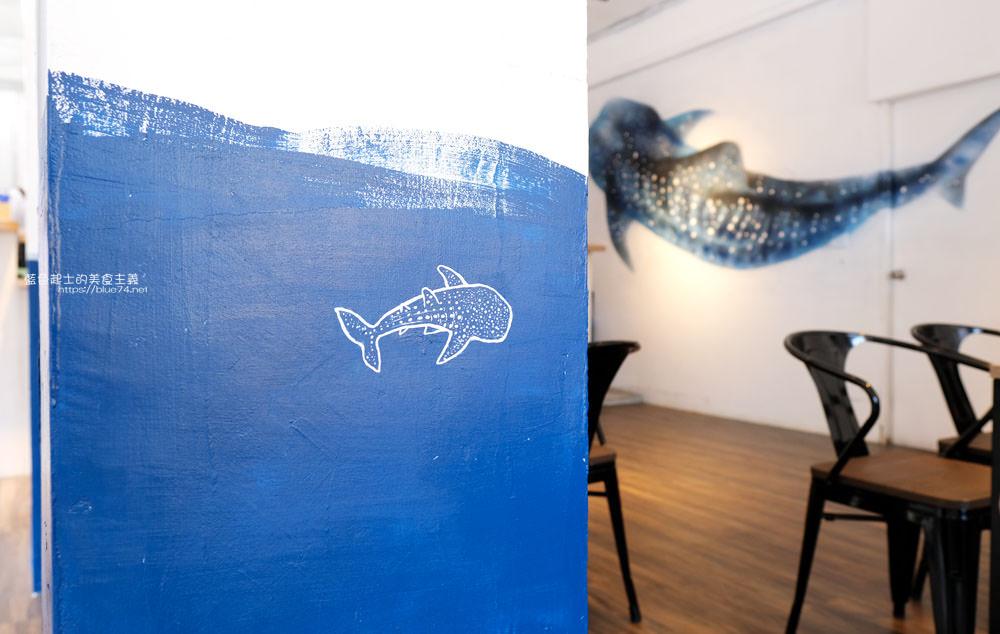 20191002013146 32 - 浪浀│對早餐執著十年的老闆在東海藝術街開店了,療癒的藍色豆腐鯊陪你吃早午餐