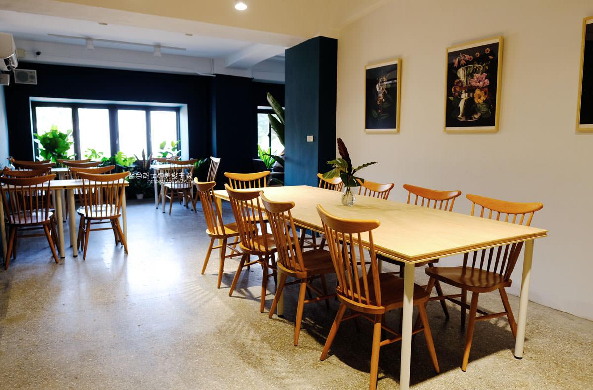 20191019124348 84 - 孔雀咖啡-柳川旁迷人的孔雀藍色調咖啡館,還有可愛圓滾滾鬆餅球