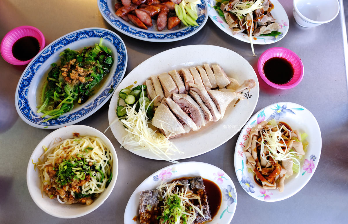 台中清水│清水鵝肉村-清水海線在地美食小吃,從午餐到消夜,推鵝肉和米血,點個小菜來加菜