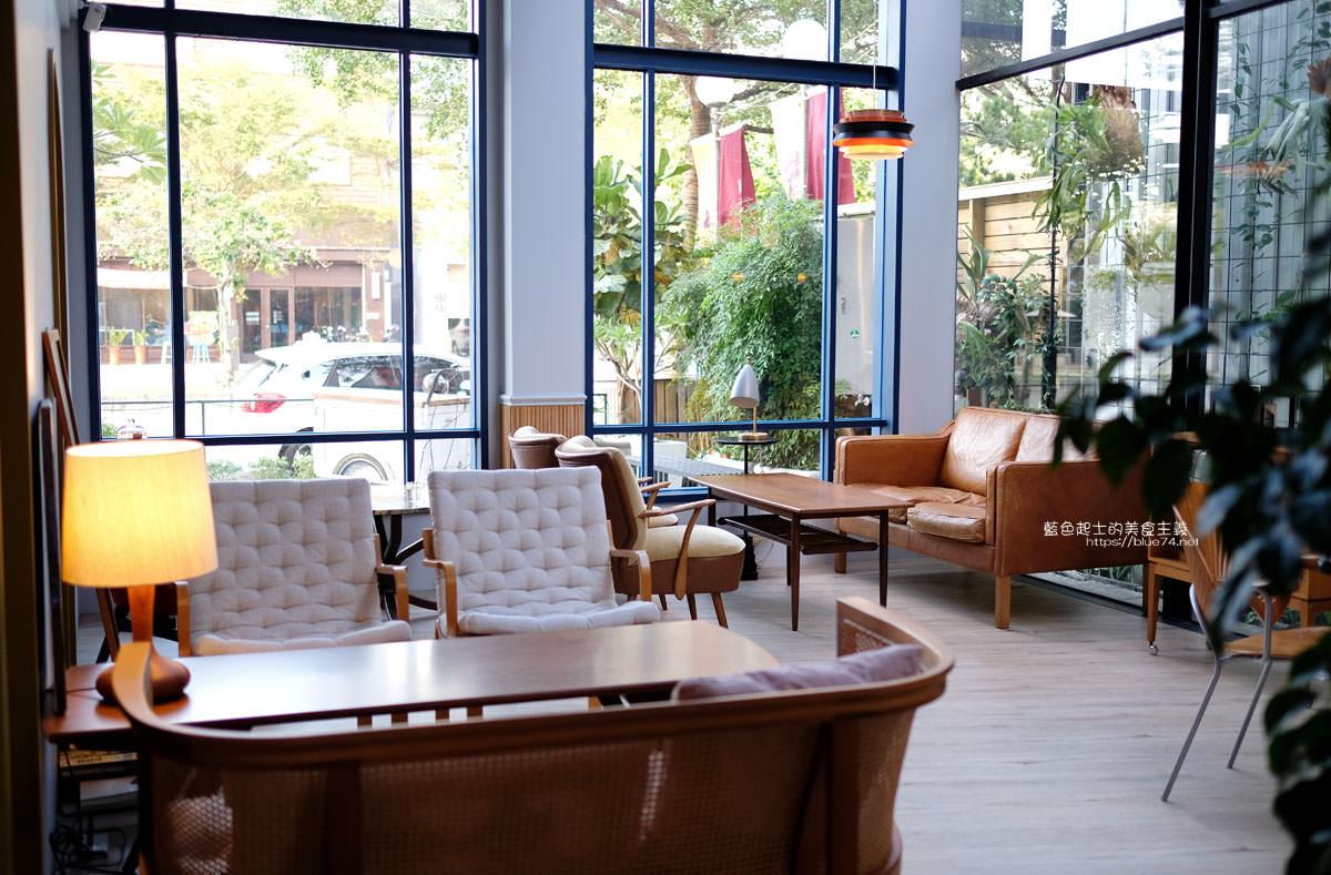 台中南屯│RUMcafe-結合悅陞家居的北歐老件傢具飾品,空間擺設光影好美,喝杯咖啡享受舒適自在