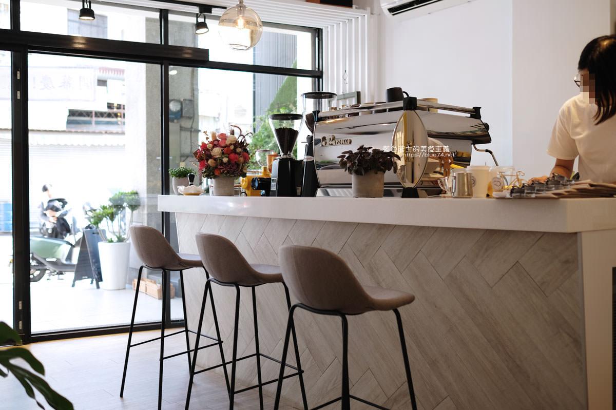 20191227012651 52 - 悅癮咖啡│文心森林公園旁的早午餐、咖啡和甜點店,附近就有便利的收費停車場