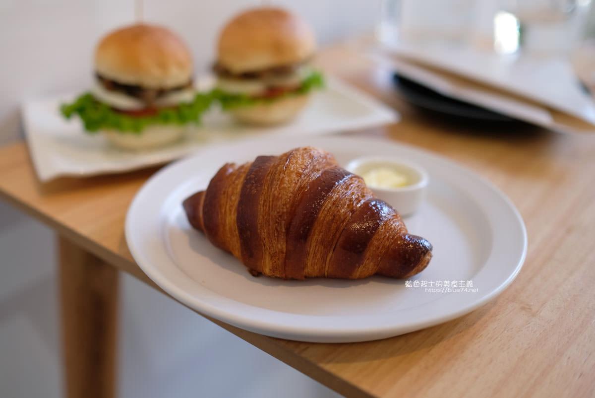 20191227012656 62 - 悅癮咖啡│文心森林公園旁的早午餐、咖啡和甜點店,附近就有便利的收費停車場