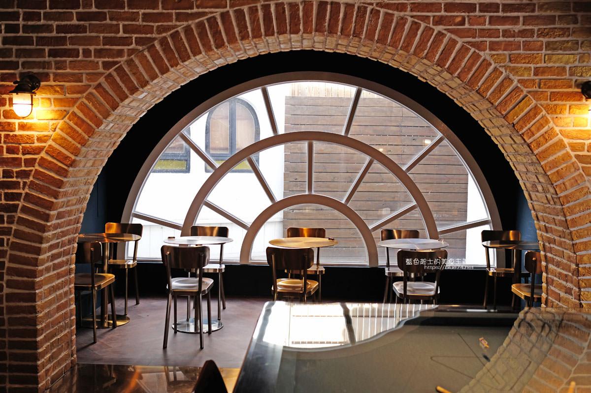 台中西區│咖啡任務cafetask GIC-咖啡任務二店,美術園道上的秘密基地咖啡,一鎊燉肋二樓