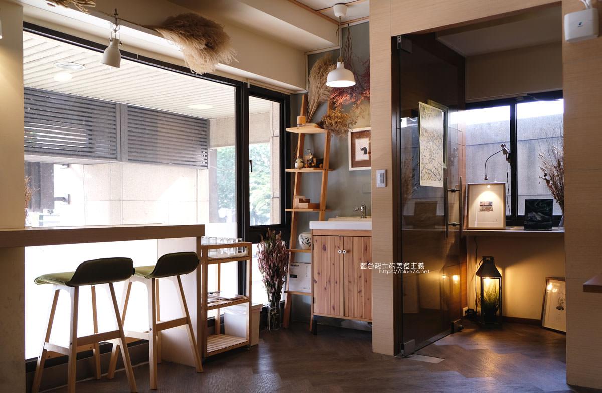 20200111103810 28 - Yasumi cafe│台中最強拉花,孔雀和金魚及蝴蝶躍入咖啡中