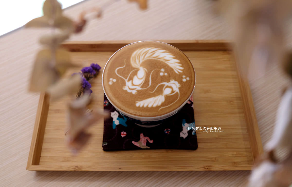 20200111105909 31 - Yasumi cafe│台中最強拉花,孔雀和金魚及蝴蝶躍入咖啡中