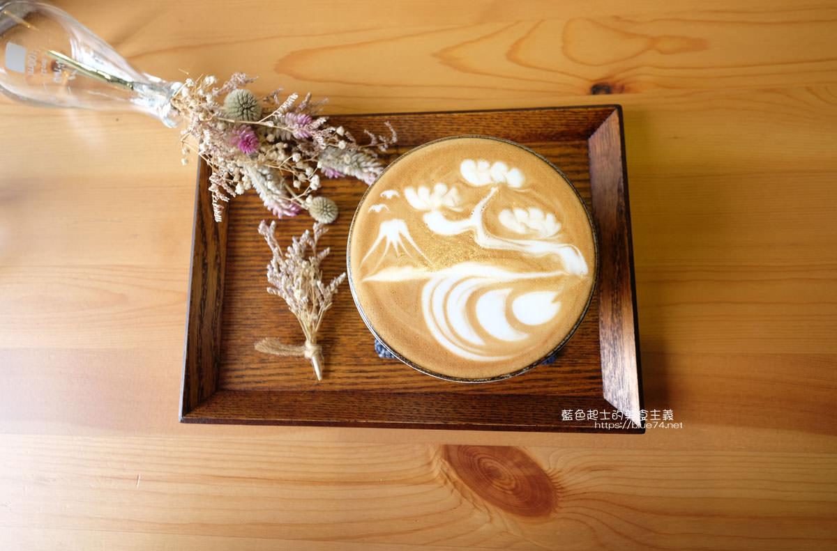 20200111151250 1 - Yasumi cafe│台中最強拉花,孔雀和金魚及蝴蝶躍入咖啡中