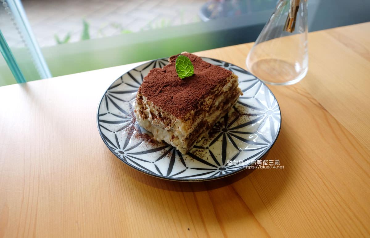 20200111151255 23 - Yasumi cafe│台中最強拉花,孔雀和金魚及蝴蝶躍入咖啡中