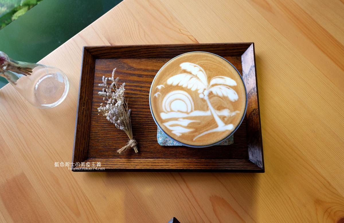 20200111151258 100 - Yasumi cafe│台中最強拉花,孔雀和金魚及蝴蝶躍入咖啡中