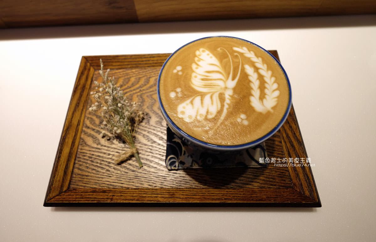 20200111151259 21 - Yasumi cafe│台中最強拉花,孔雀和金魚及蝴蝶躍入咖啡中