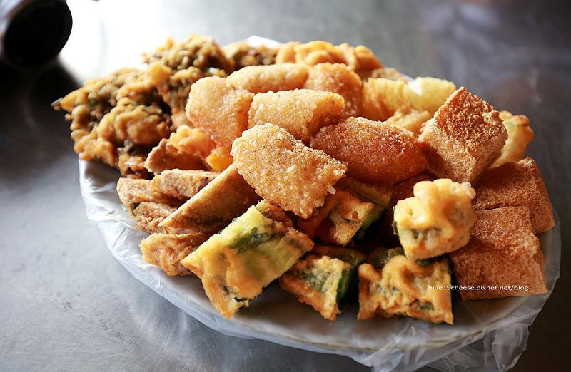 【台中西區】南屯廟口炸粿-下午三點開始美味炸物,滿百打卡還可以送地瓜一份耶,大忠福德祠旁