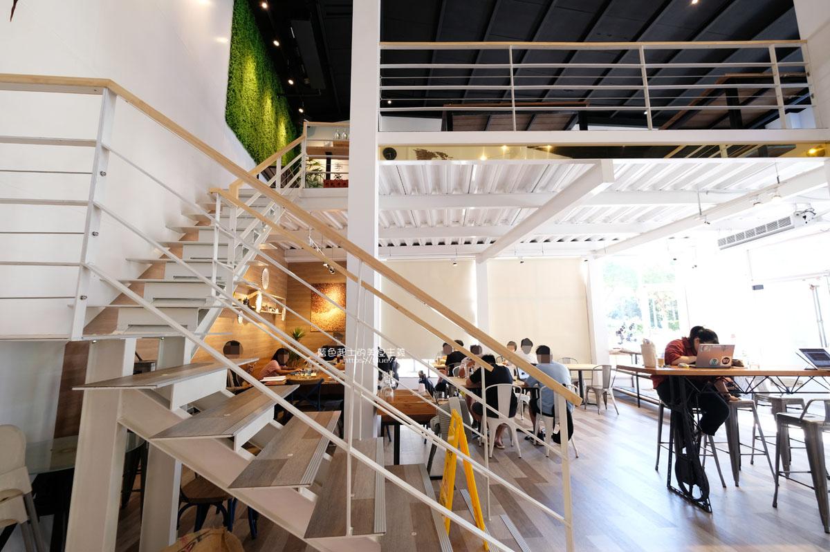 台中西屯│手樂-中科商圈工業風自家烘焙咖啡館,手作甜點、早午輕食、下午茶