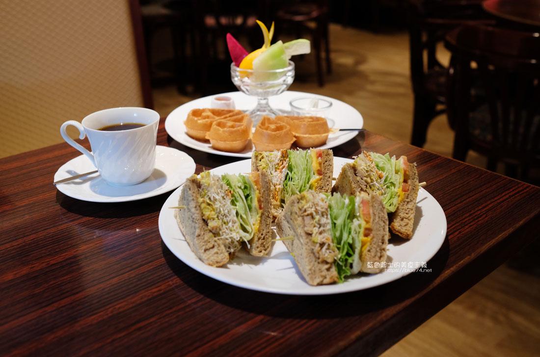 20200903191718 16 - 中非咖啡館|中菲行,中菲咖啡,老台中人的咖啡,迷人的老派咖啡氛圍