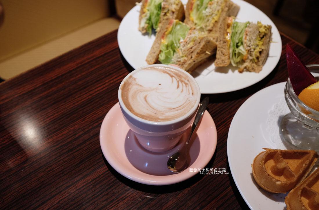 20200903191719 63 - 中非咖啡館|中菲行,中菲咖啡,老台中人的咖啡,迷人的老派咖啡氛圍