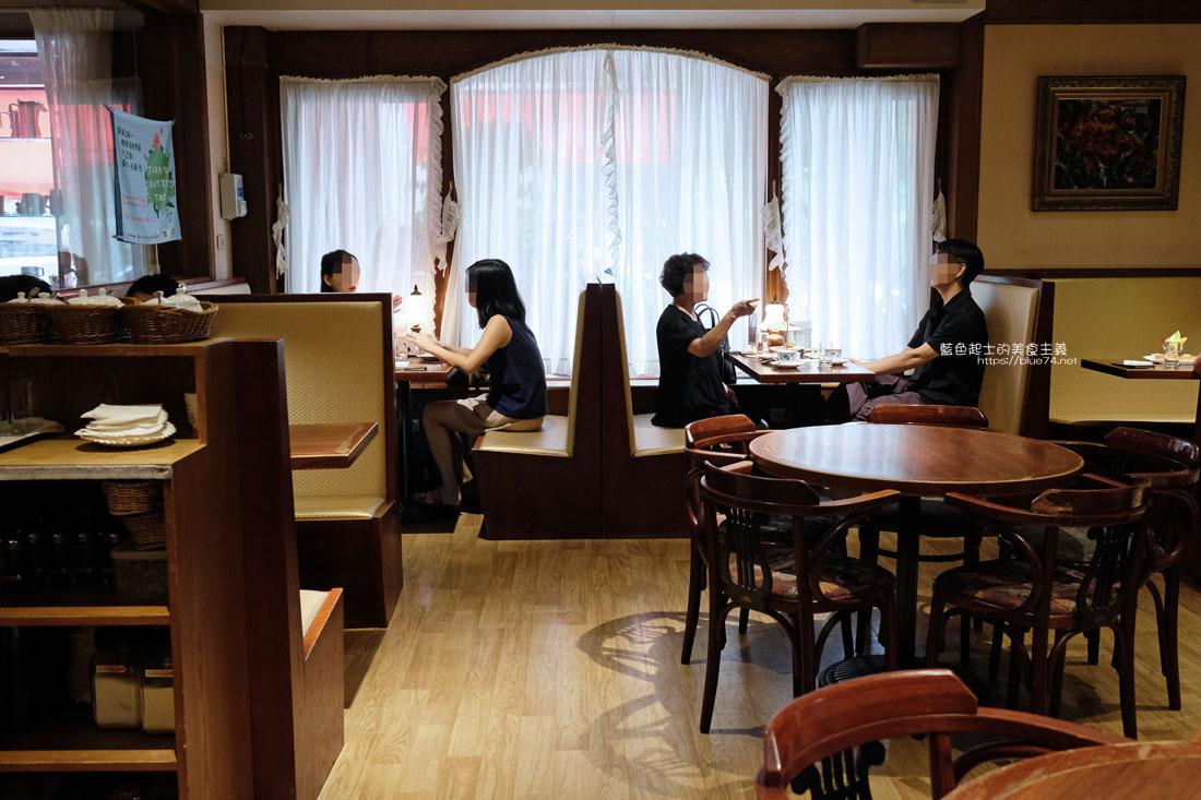 20200903191720 4 - 中非咖啡館|中菲行,中菲咖啡,老台中人的咖啡,迷人的老派咖啡氛圍