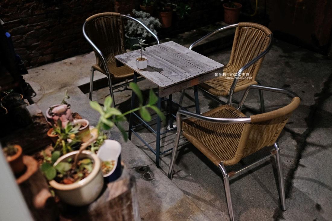 20200904172234 76 - 懶人咖啡館五代目|讓人放鬆的台中深夜咖啡館,這裡的厚片吐司是別人家的兩份厚片吧