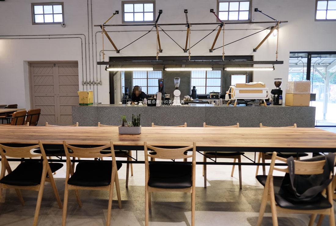 20200910175702 68 - 憬初尋|豐原老倉庫改建成咖啡廳,木質設計結合工業風,老屋新生也推廣國產咖啡及農產