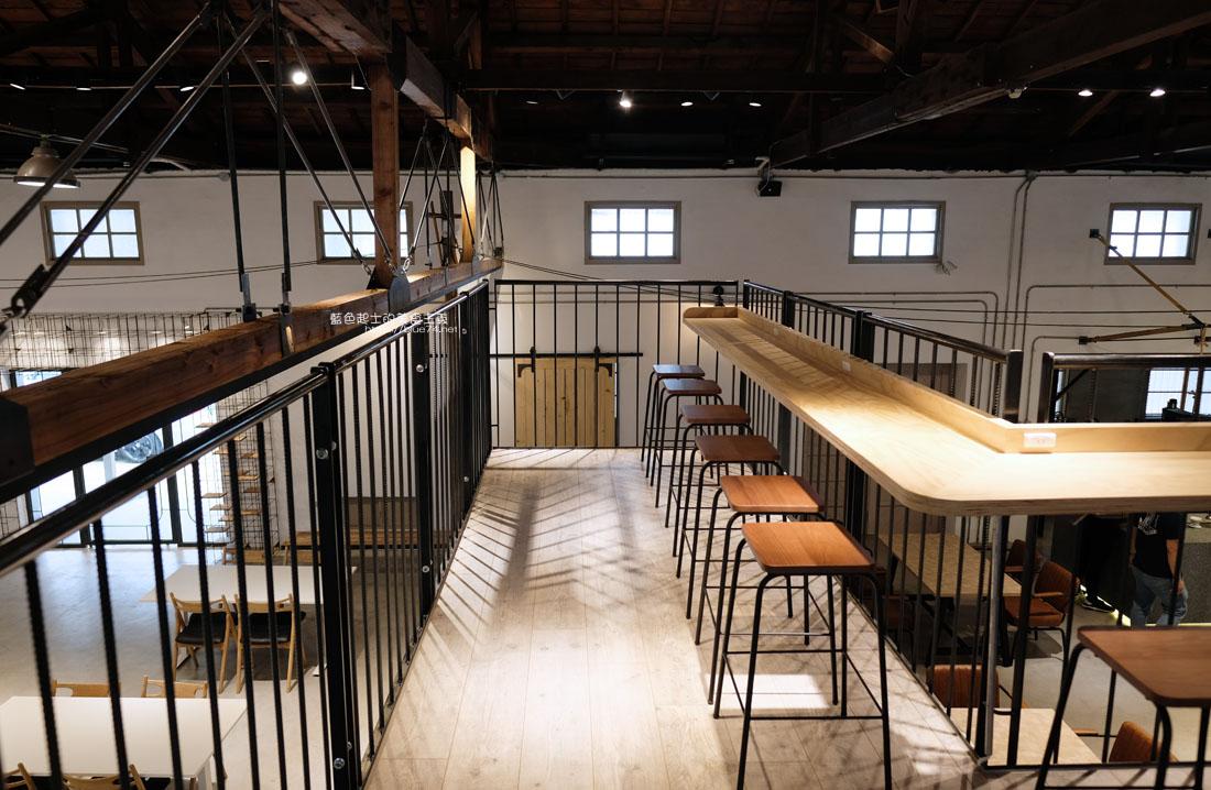 20200910175705 14 - 憬初尋|豐原老倉庫改建成咖啡廳,木質設計結合工業風,老屋新生也推廣國產咖啡及農產