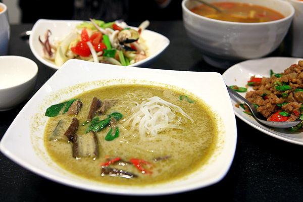 餐-辛香綠咖哩牛肉河粉.JPG