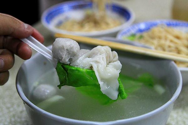湯料,餛飩、魚丸及魚餃