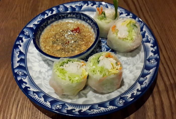 【食記】東區平價泰式簡餐新選擇.Tinun 踢弩泰拳拉麵
