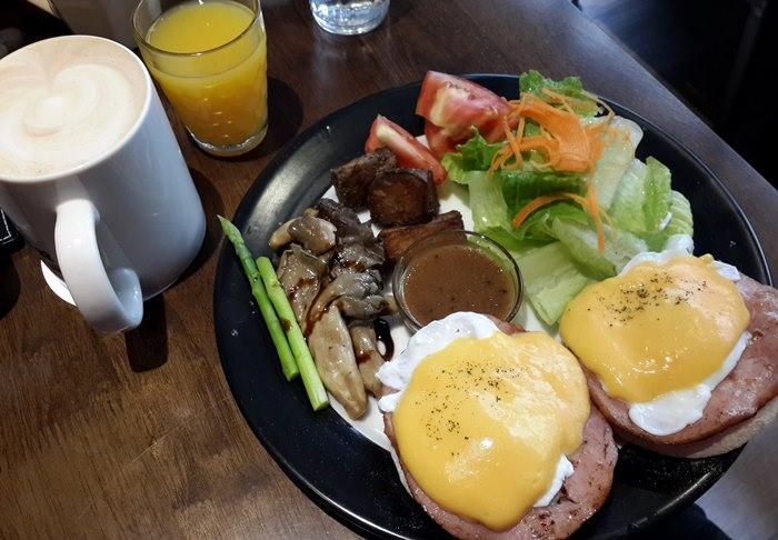 【食記】來去「圖書館對面」Duimin cafe & deli 吃早餐@ 永安市場站(四號公園)