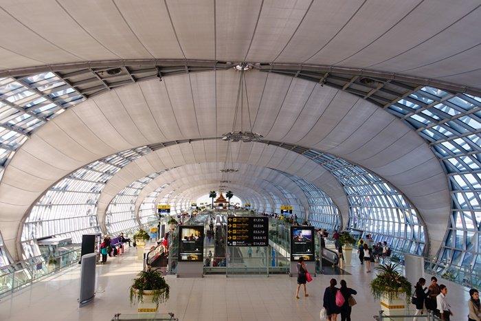【15曼谷華欣.度假趣】- 蘇旺納蓬機場(Suvarnabhumi airport)全攻略.機場捷運、換匯、退稅、戰利品一網打盡