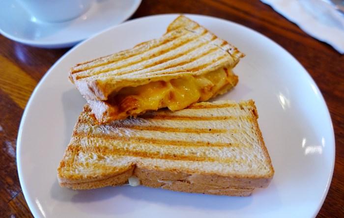 【食記】一個人的小確幸Café.熱烤義式三明治 @天母