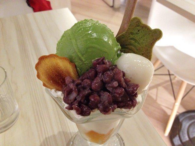 【食記】台日合併的輕食甜點 Machikaka 抹茶白玉聖代好好吃~~
