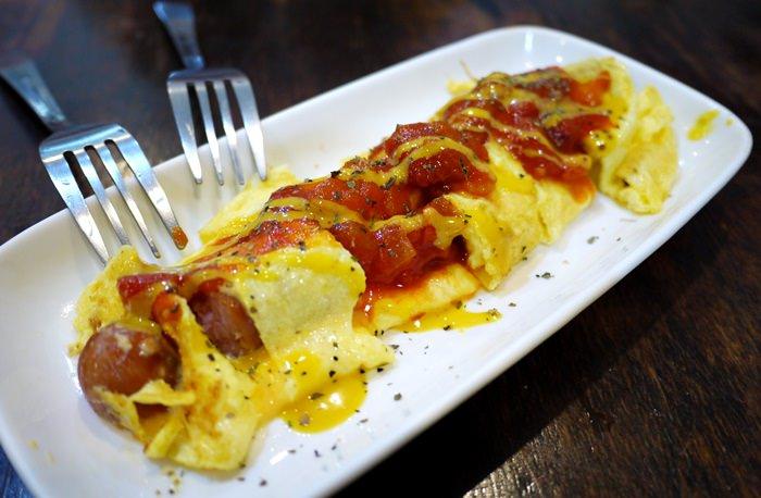 【國境之南.食記】- 好好味的法蘭克熱狗蛋捲.南灣橘子早餐