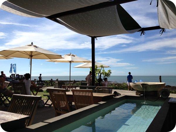 【台北.景觀餐廳】三芝淺水灣 彷彿在峇里島度假一般的 – Villa Sugar