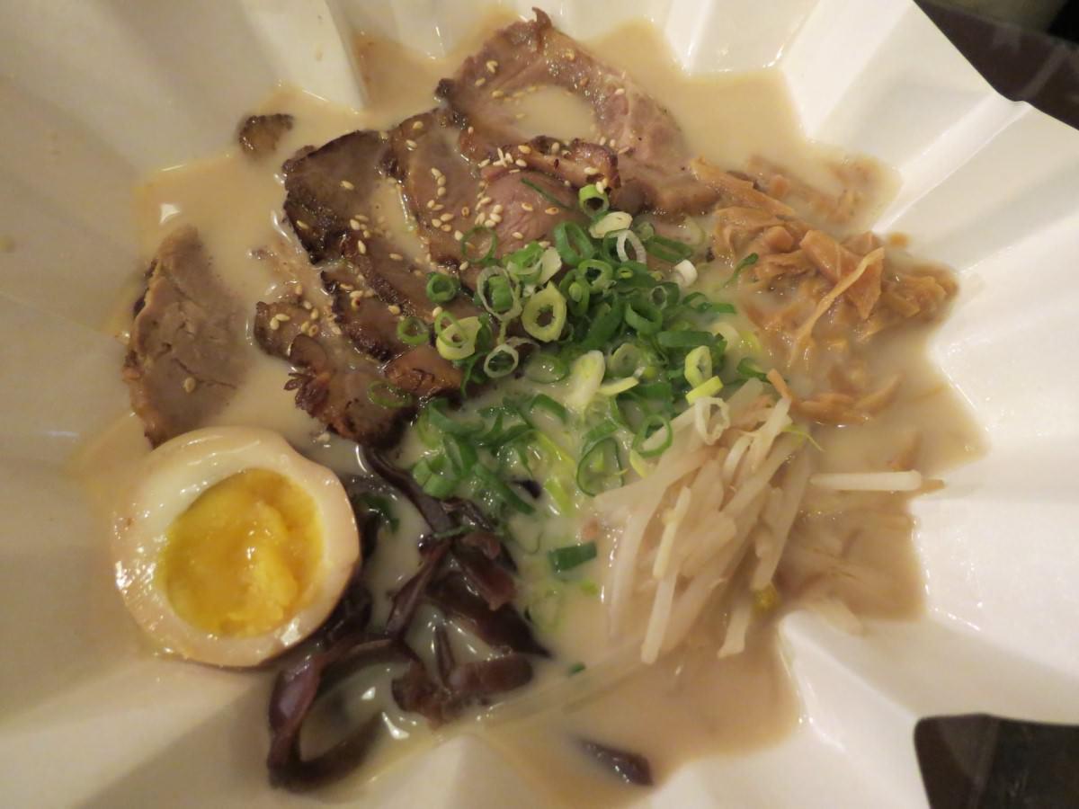山本堂拉麵鍋@台北店, 餐點, 豚骨叉燒拉麵