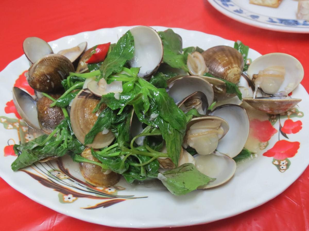 巷仔內烏骨雞海鮮攤, 餐點, 蛤蜊