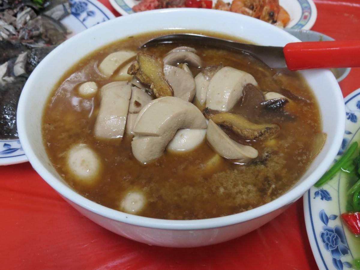 巷仔內烏骨雞海鮮攤, 餐點, 麻油雞佛+腰子