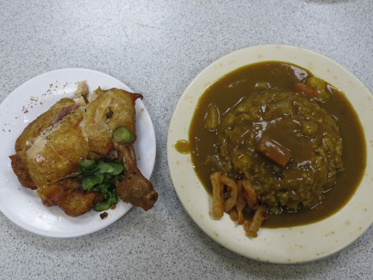 金園排骨分店@萬年大樓, 餐點, 咖哩雞腿飯