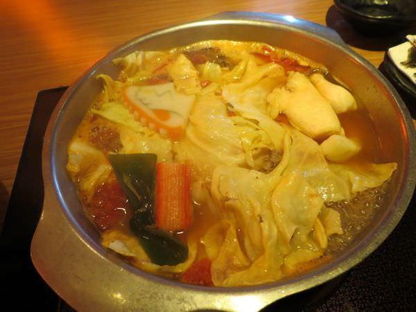 天然素材富士@美麗華店, 餐點. 番茄牛肉鍋