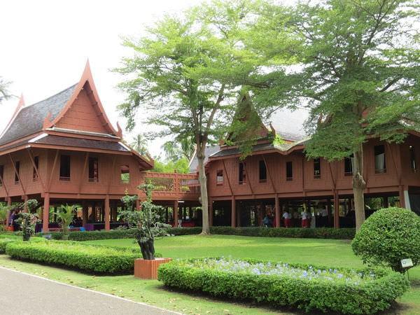 拉瑪二世紀念公園(King Rama II Memorial Park), 泰國, 夜功府, 安帕瓦