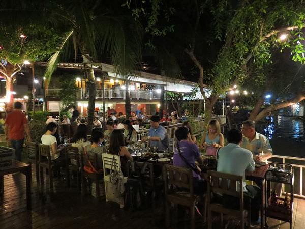 เจ้าสำราญ อัมพวา(Chal Sam Rhand Restaurant), 用餐環境